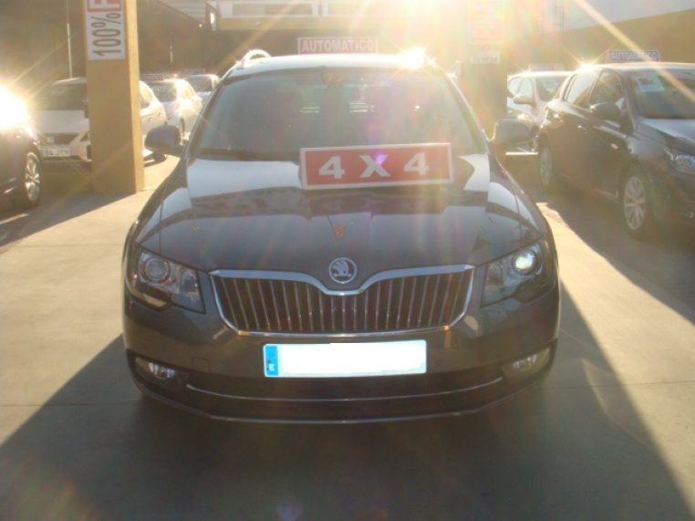 SKODA SUPERB 9511 HYF 004